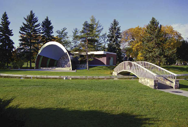 Borden Park Swimming Pool & Bandshell, photo by James Dow